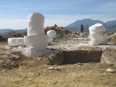 La Cimentacion de la escultura de 30TM. del Grupo escultórico Setas de Piedra