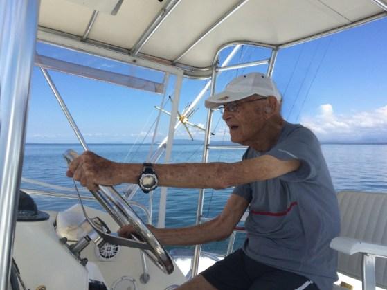Bernardo Elsner en bote solo