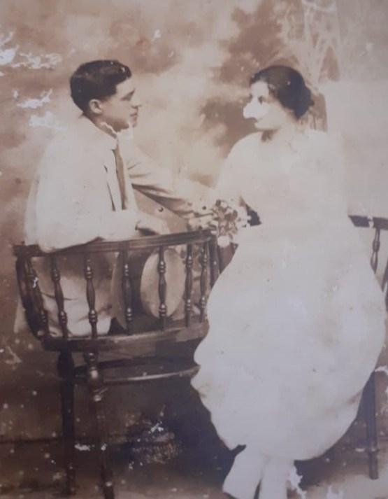 Luis Landivar y Pastora Mansilla el día de su compromiso
