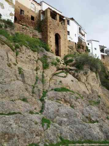 Ronda_muralla_puerta_de_la_Cijara