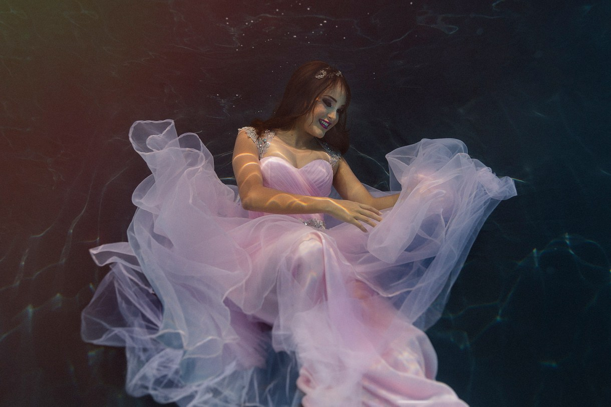 trash the dress quienceannera bajo el agua | underwater photographer marcosvaldes|FOTÓGRAFO®