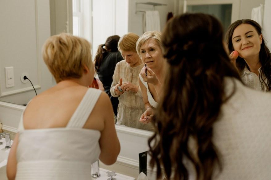 guests getting ready for their hotel casa palmela wedding