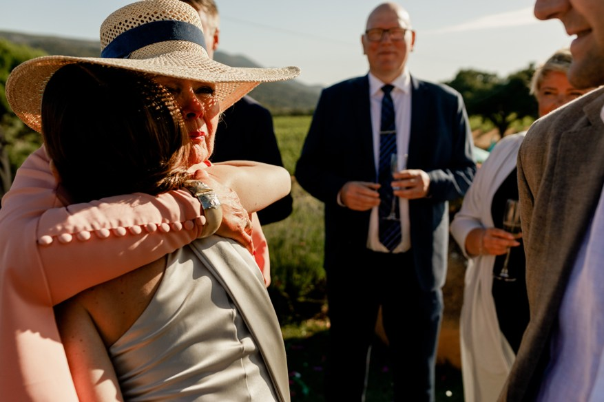 bride hugs mother in law