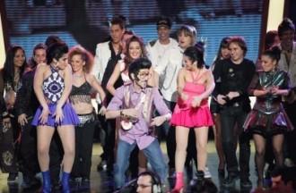 Rodolfo Chiquilicuatre bailando ó final da gala