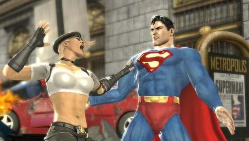 Sonya Blade zoscando a Superman