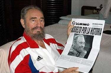 Fidel co xornal Granma na man