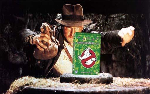Indy buscando unha ganga en DVD