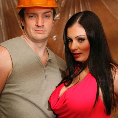 Nathan Fillion e Aria Giovanni