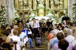 mozo cantando no II Concerto de Verán