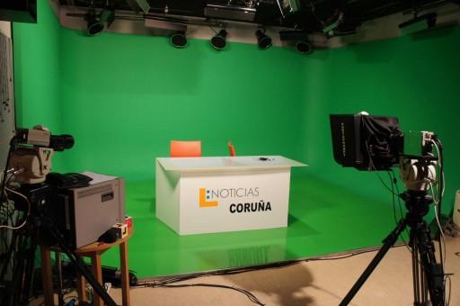 Plató de informativos de Localia Coruña
