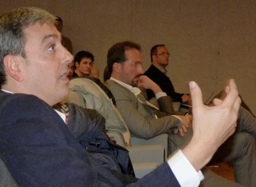 José Manuel García preguntando a Rodolfo Carpintier