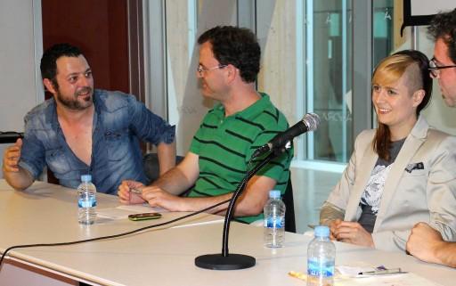 David Rubín e Emma Ríos nunha tertulia no Centro Ágora da Coruña