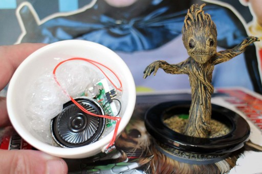 Baby Groot co módulo de son
