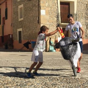 Actividad infantil de tauromaquia en Fuendetodos