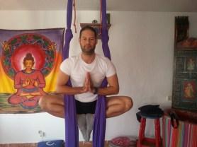 Yoga Aéreo terapáutico_Mar de Yoga