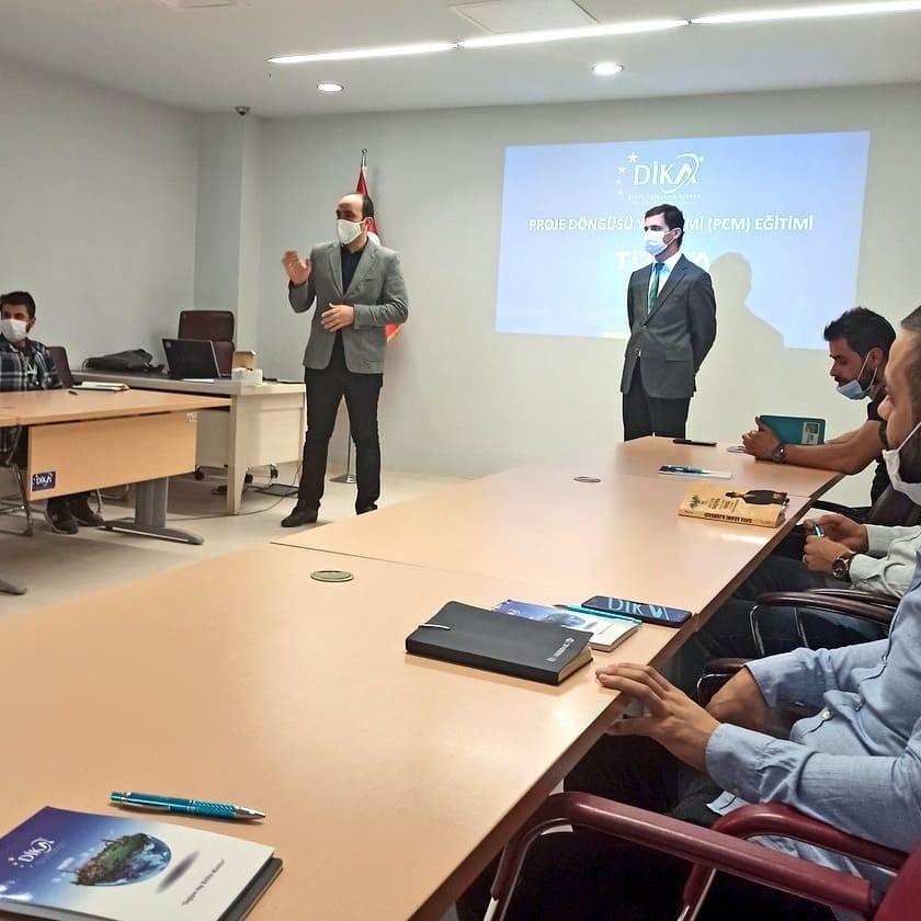 Mardin'de proje yazma uzmanı programı devam ediyor