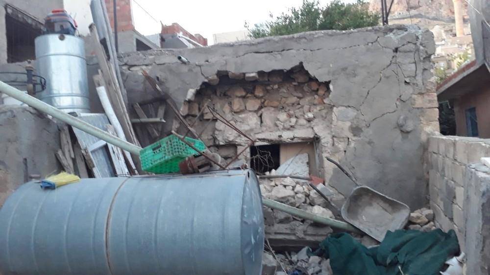 Belediye ödül olarak ev yaptı, duvarların yıkılması sonrası ortada kaldı