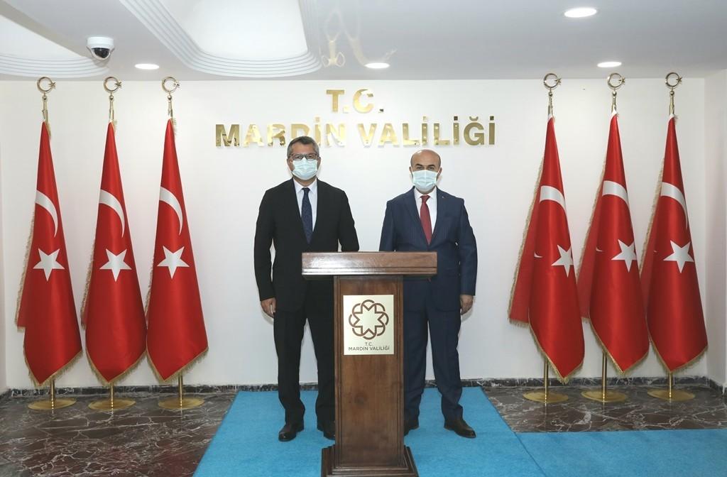 Azerbaycan Ankara Büyükelçisi Hazar İbrahim, Vali Demirtaş ile bir araya geldi