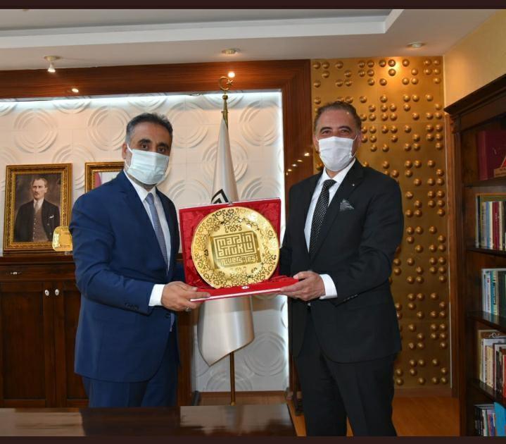 Cezayir, Ankara Büyükelçisi Adjabi MAÜ Rektörü Özcoşar ile görüştü