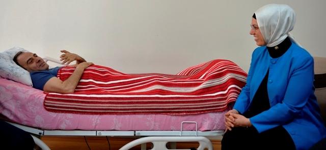 Ravza Kavakçı'dan 15 Temmuz gazisine ziyaret