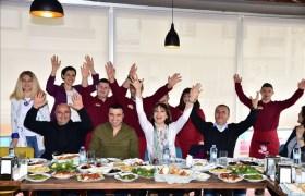 Funda Arar Down Cafe'de özel çocuklar ile bir araya geldi