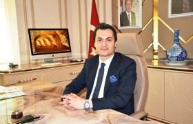 Kaymakam Öztürk'ten gazetecilere kutlama