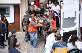 İkinci Kattan Düşen Polis Memuru Ağır Yaralandı