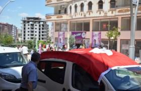 """HDP'ye """"Türk bayraklı"""" tepki"""