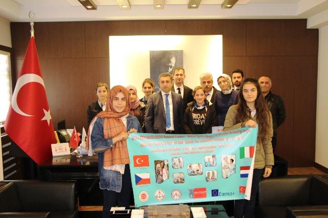 Midyat'ta öğrenciler yurt dışına gidecek
