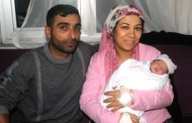 """Mardin'de yeni yılın ilk bebeği """"Nilay"""" oldu"""