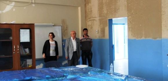 Midyat Belediyesi okulları boyuyor