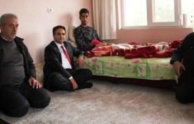 Kaymakam Dundar, yaralı askeri ziyaret etti