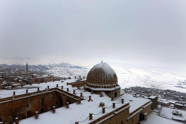 Kar, hoşgörü kentinde  güzel görüntü oluşturdu