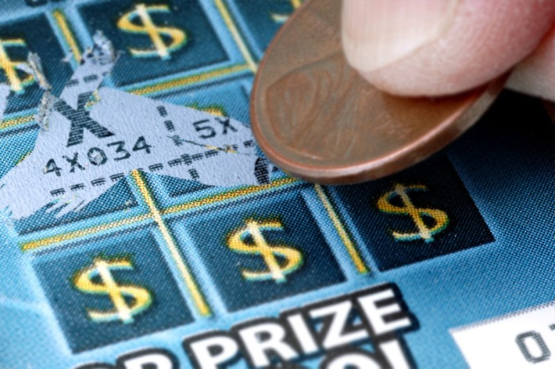 Scratchcard lottery mania grips Bulgaria