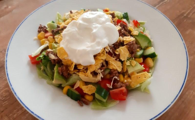Nacho salad bowl recipe with chili