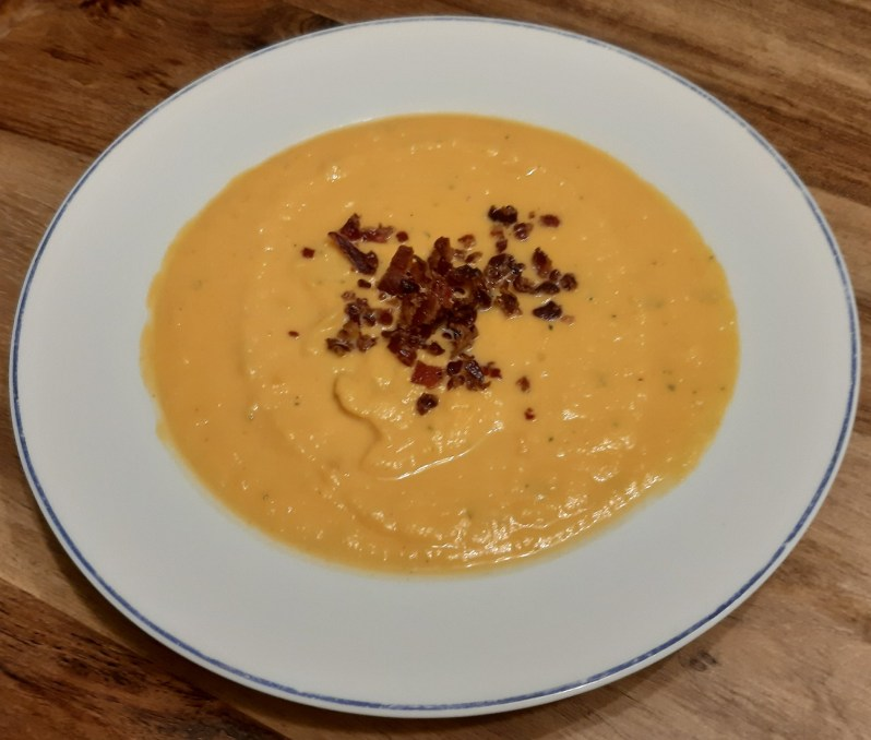 Recipe for sweet potato soup with bacon