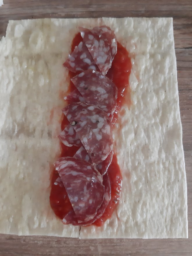 pizza tortilla rolls