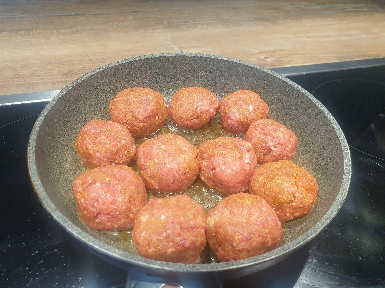German-style meat balls