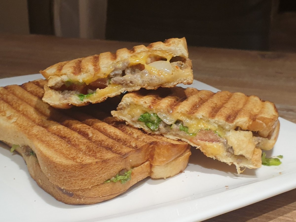 Grilled cheeseburger sandwiches