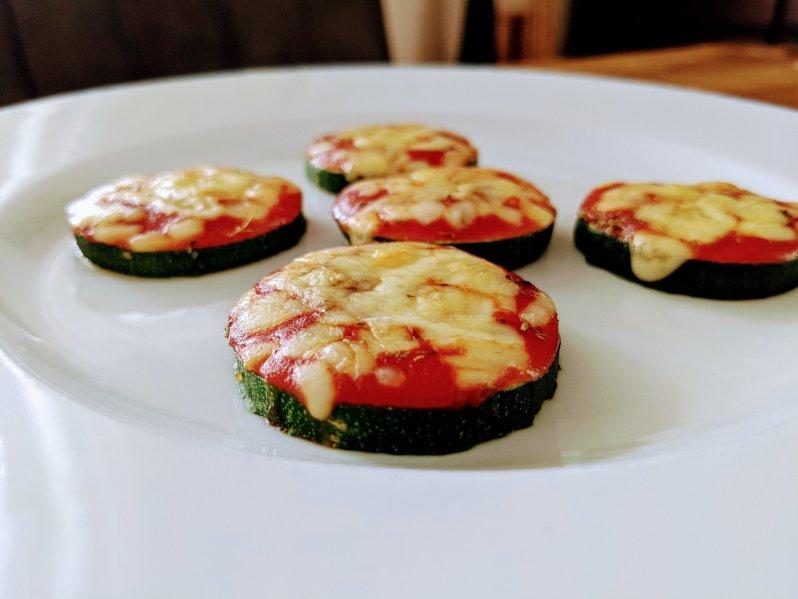 Mini zucchini pizza by Mareike's Cozy Corner
