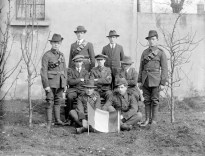 George Reynolds and other Irish Volunteers who fought at Mount Street Bridge. Image: National Library of Ireland