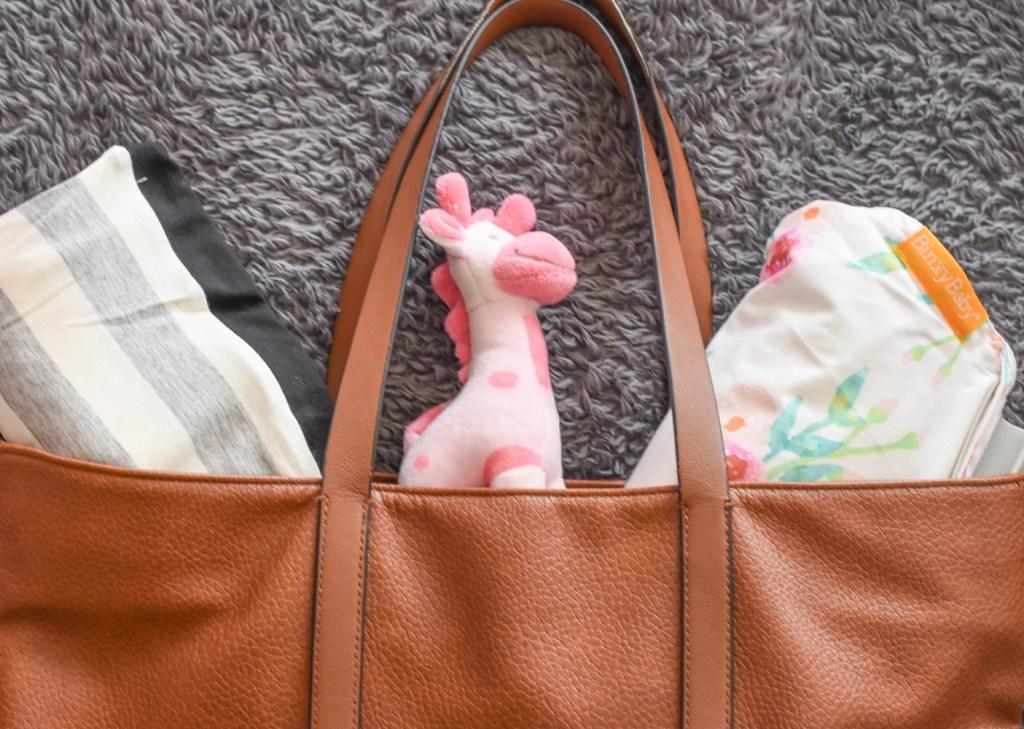 Binxy Baby Shopping Cart Hammock | Baby Gift Guide