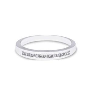 anillo de compromiso estilo alianza de diamantes