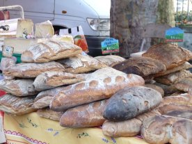 One of the bread stalls ar St. Girons.