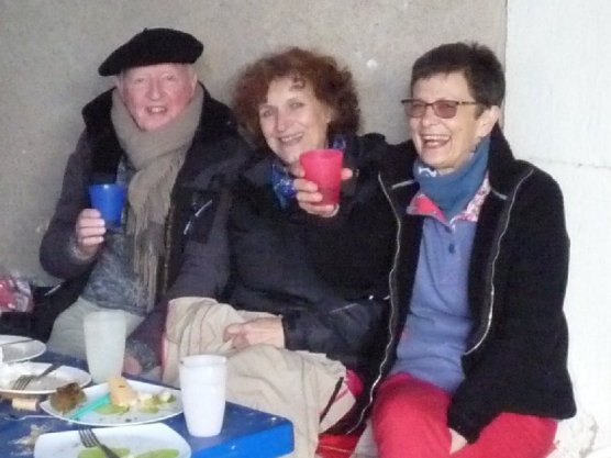 Malcolm's been lent an Ariegeois beret, and here we both are with our friend and hostess, Tine at the end of the feast.