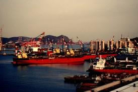 Ships_in_Busan