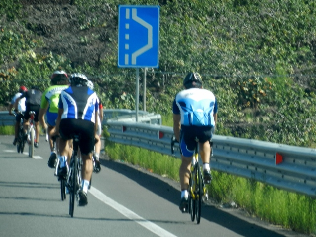 Cyclists in Sicily
