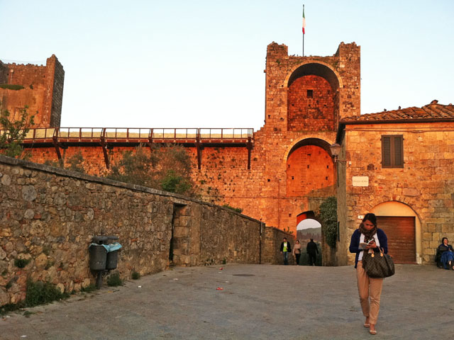 Monteriggioni – Another Hilltop Town in Tuscany