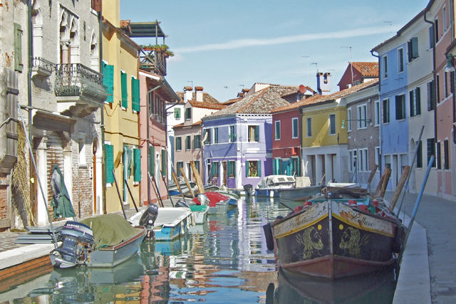 Burano – A Colorful Gem in the Venice Lagoon