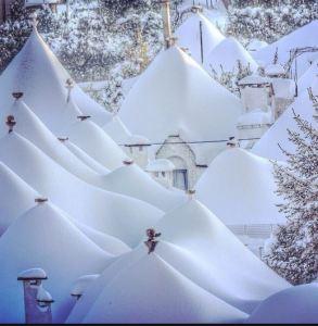 Snow in Alberobello Photo by Solanda Tours https://www.instagram.com/solanda_tours_dmc/